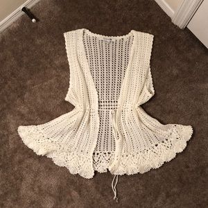 Forever 21 Crotchet Sleeveless Vest